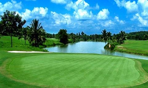 Chơi golf vào ngày thường khoảng 1,5 triệu đồng/người