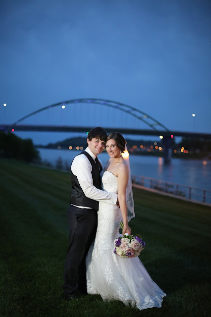 night wedding sioux city bridge