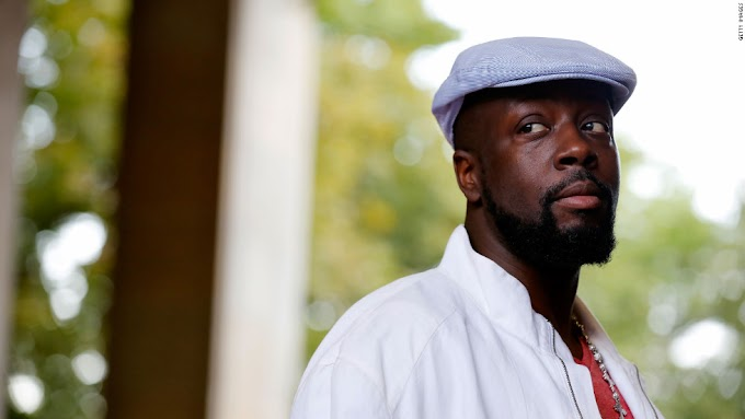 Deputies cuff rapper Wyclef Jean after mistaking him for a robbery suspect