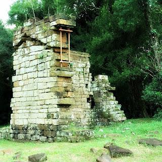 Ruínas da capela de Santa Ana.
