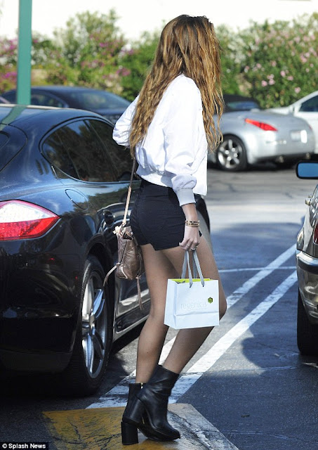 Bella Thorne From Behind