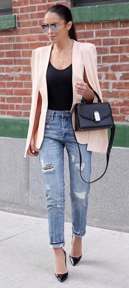 trendy casual style: blush jacket + black top + bag + ripped jeans + heels