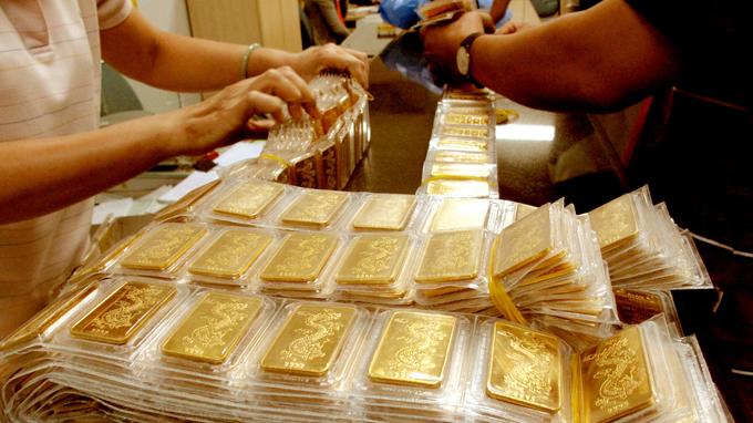Giá vàng hôm nay 08/12/2015: Giá vàng SJC giảm 90.000 đồng/lượng