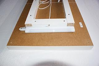 Mi rinc n de sue os 2 mesas lack de ikea aplique de pared - Fluorescentes cocina ikea ...