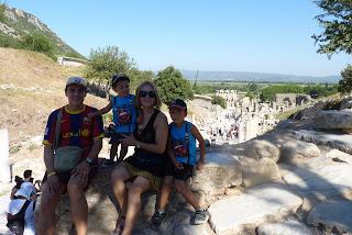 La familia al completo en Éfeso.