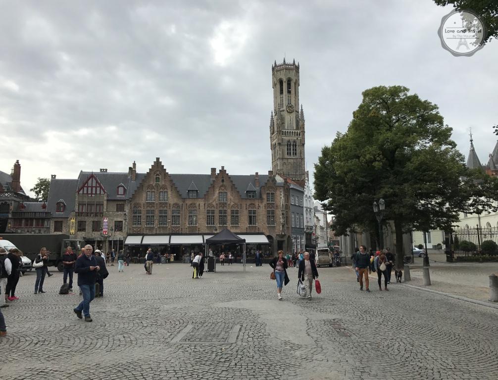Campanário de Bruges ou Belfort na Grote Markt Bélgia