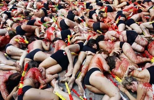 7 Festival Popular Yang Paling Bodoh Di Seluruh Dunia