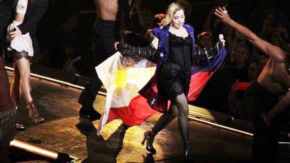 """Madonna podría estar prohibida en Filipinas por """"ridiculizar la bandera""""."""