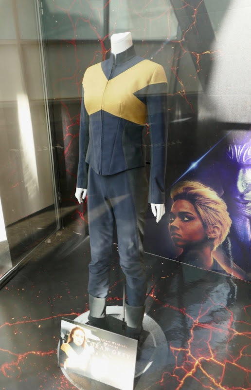 Sophie Turner X-Men Dark Phoenix Jean Grey costume