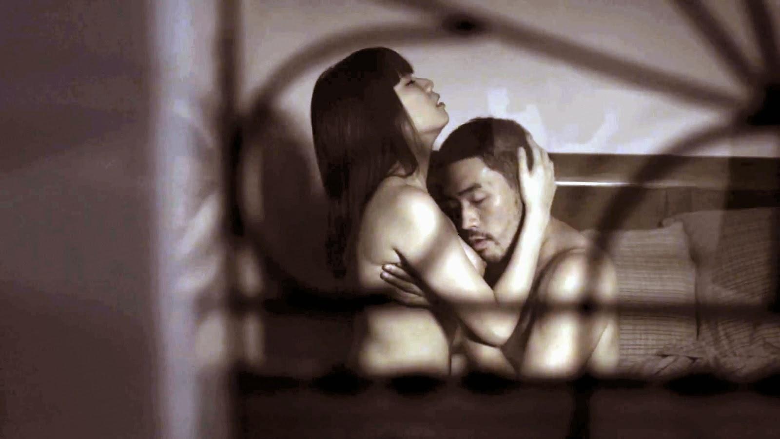 Tong singapore blog sex