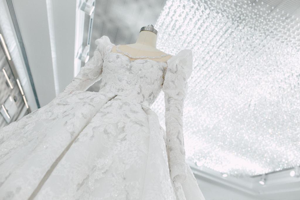 Featuring Tang Yan S Wedding Dress And Evening Gowns Dramapanda