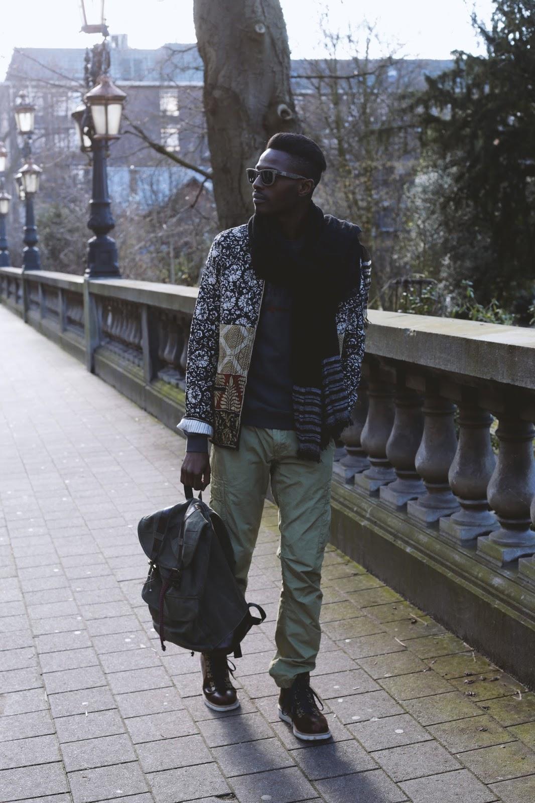 Soulful walking in Antwerp streets - part 1 // Wearing WALLDOG sweater + scotch & soda gear + timberland boots