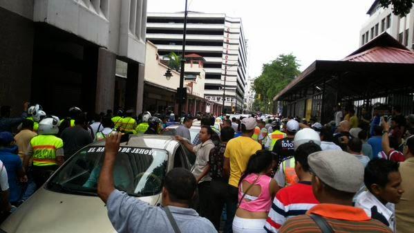 bronca entre metropolitanos y vigilantes en Guayaquil