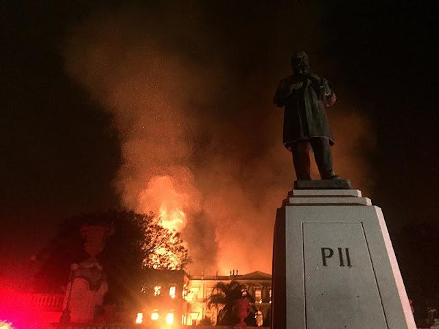 Luto pelo Museu Nacional (Rio de Janeiro)