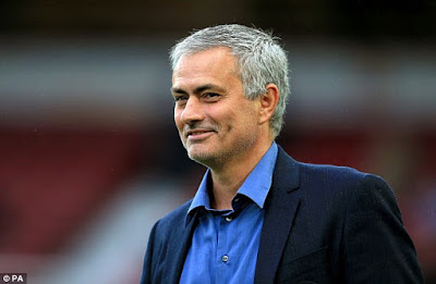 Mourinho Akan Beri Kejutan Bagi Manchester United