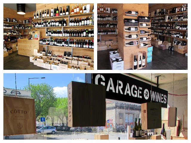 loja de vinhos, prateleiras com garrafas