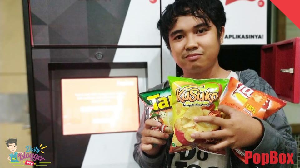 Mengambil Snack Seusai Bimbingan Skripsi Di Popbox