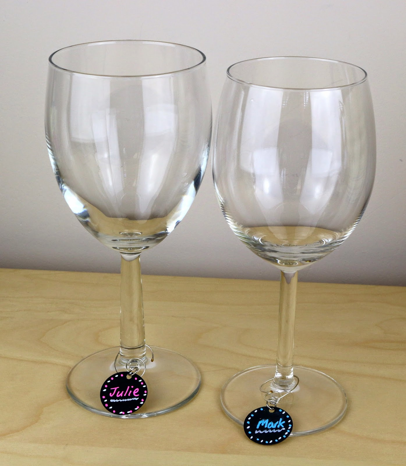 SRM Stickers Blog - Personalized Wine Glasses by Cathy A. - #easychalkboardmarker #chalkboard #markers #white #flourencent #personization #DIY