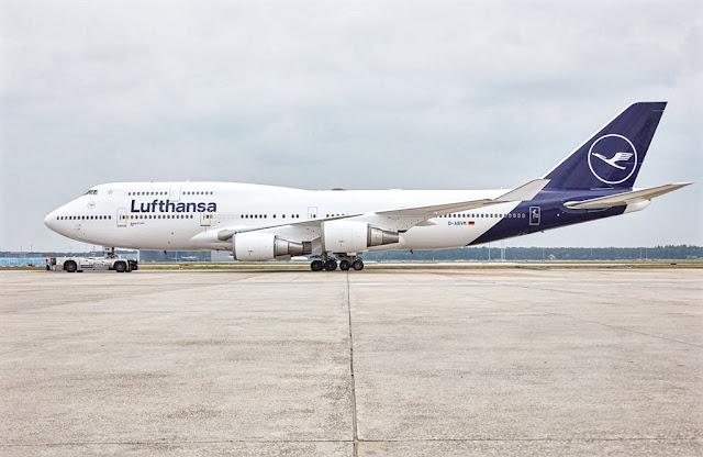 boeing 747-400 lufthansa optimised blue livery