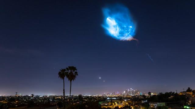 Εκτόξευση του πυραύλου της SpaceX με εντυπωσιακό θέαμα στον νυχτερινό ουρανό (βίντεο)