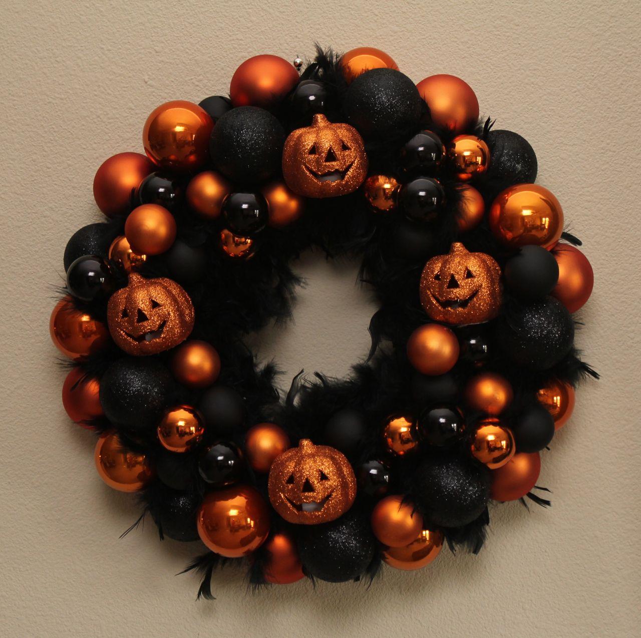 Sew In Love: Halloween Wreath + Tutorial