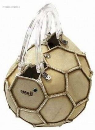 En İlginç Kadın Çantaları - Futbol topu şeklinde çanta - Kurgu Gücü