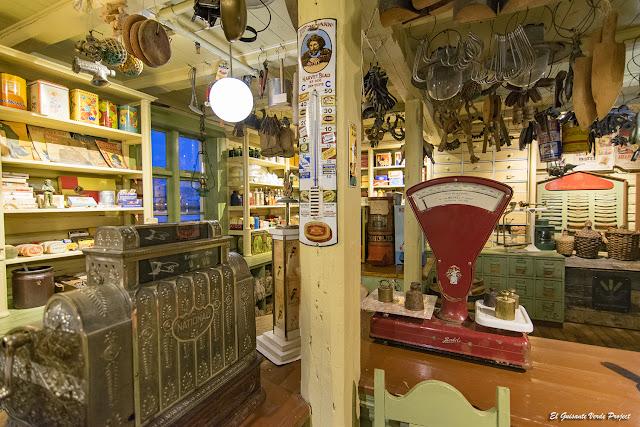 Antigua tienda de comestibles y provisiones - Islas Lofoten por El Guisante Verde Project