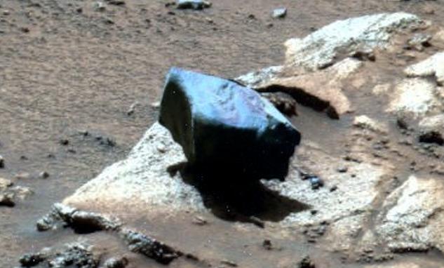Rock Hovers Over Mars Surface Near NASA Rover Hovering%252C%2Bhover%252C%2Brock%252C%2Baliens%252C%2Balien%252C%2BET%252C%2Bplanet%2Bx%252C%2Banunnaki%252C%2Bgods%252C%2Bgod%252C%2Bangels%252C%2Bdemons%2Bwtf%252C%2BUFO%252C%2Bsighting%252C%2Bevidence%252C%2B1