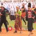 Puluhan Ribu Warga Lumajang Jawa Timur Senam Bersama Bertajuk Mendayung - dayung Asyik
