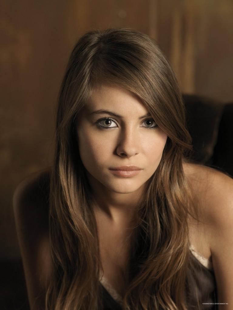 Willa Holland summary  Film Actresses