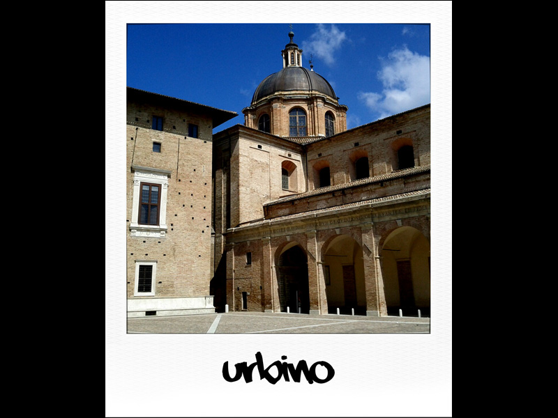 Urbino, la piazza