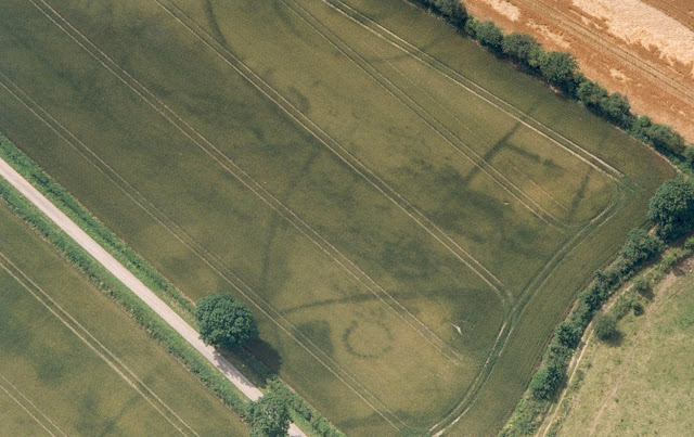 Earlier date for ancient wooden structures in West Kennet, Wiltshire