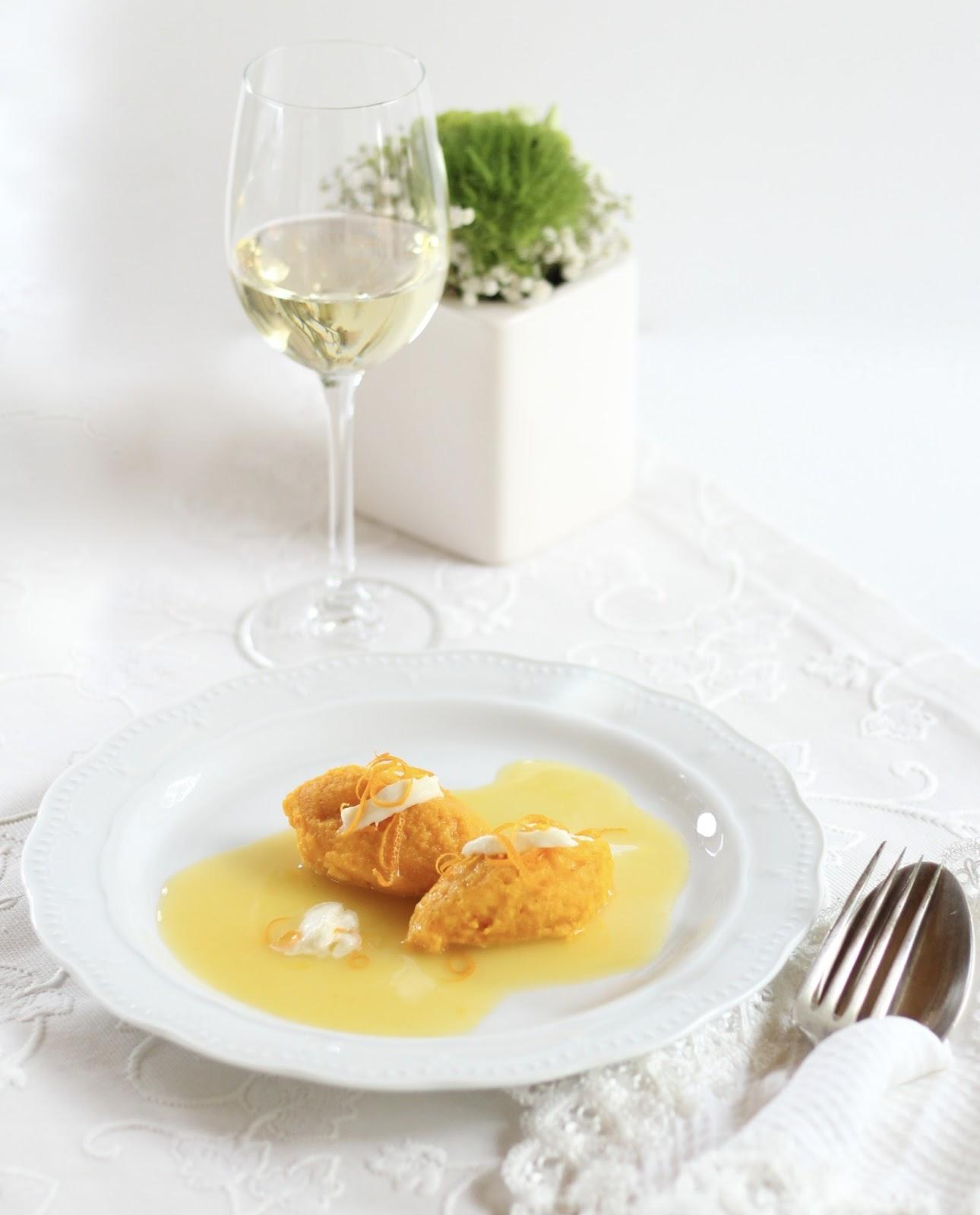 Festliche Vorspeise: Kürbis-Karotten-Nidei auf Orangen-Ingwer-Sauce
