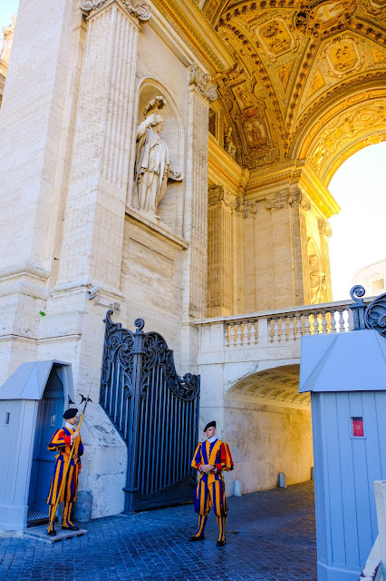 guards at vatican city