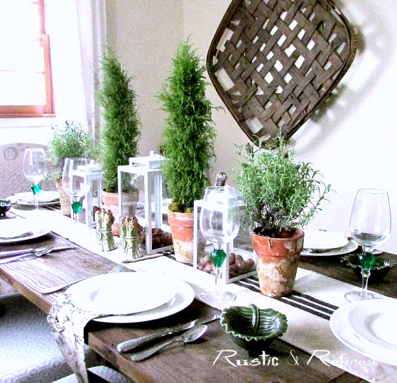 Neutral tablescape for the Holidays