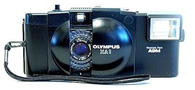 Olympus XA1, Front