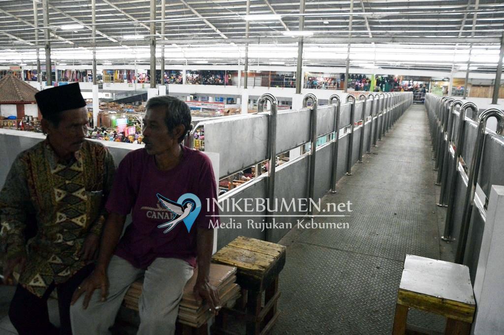 Lantai 2 Pasar Tumenggungan Kebumen Telah Dilengkapi Dua Jembatan Penghubung