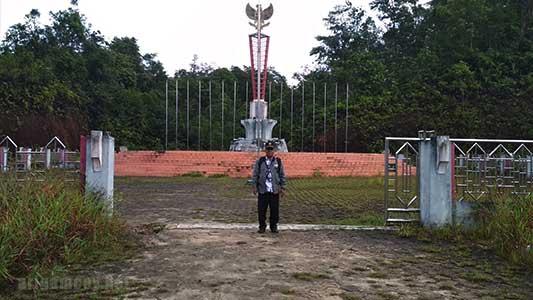Tugu Garuda Pancasila di Jagoi Babang Bengkayang