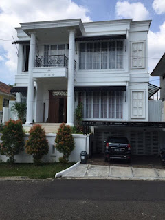 Rp.4.300.000.000 Dijual Rumah White House Minimalis Klasik Di Medi Hill Sentul City (code:199)