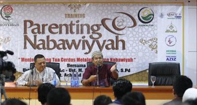 Parenting Nabawiyah Ust Budi Ashari