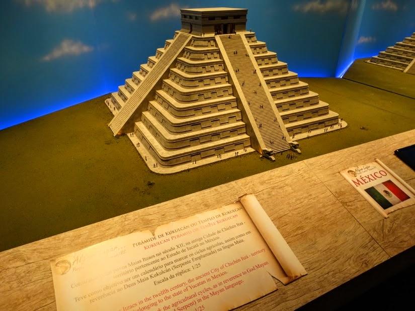 Pirâmide de Chichen Itza - PMaravilhas do mundo no Parque Algum Lugar em Gramado