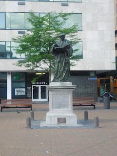 Rotterdam Erasmus Statue