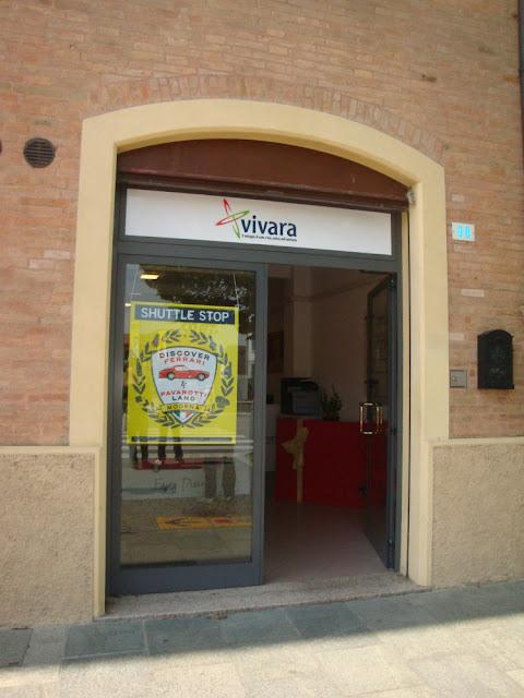 Como conhecer os 2 museus da Ferrari em Modena e Maranello (Itália) sem alugar carro?