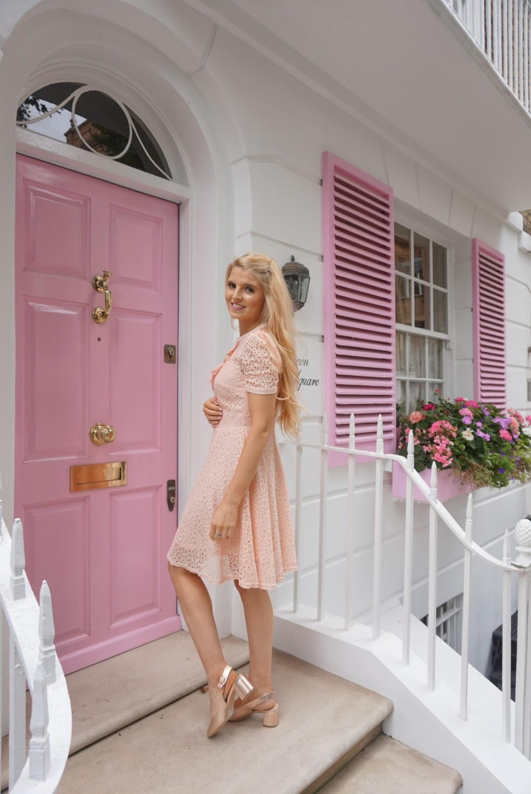 Beautiful Pink Fashion Barbie In Really Nice Condition Goods Of Every Description Are Available Nice Outfit With Shoes
