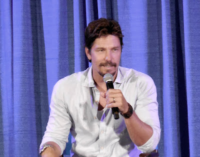 Michael Trucco answering questions at Shore Leave 38