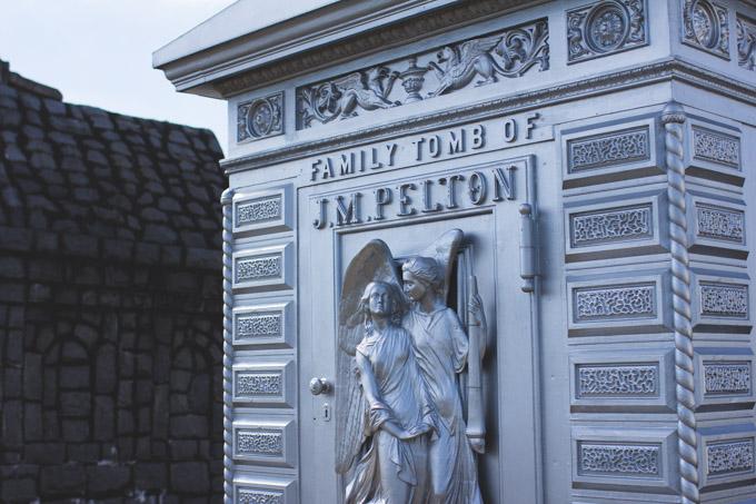 mausoleum, cemetery, pelton