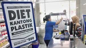 Kantong plastik berbayar Rp. 200
