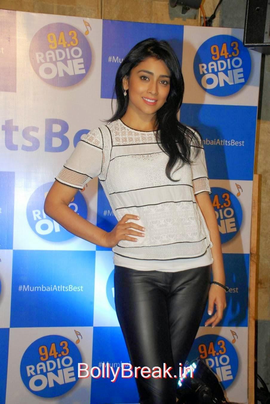 Shriya Saran Pictures, Shriya Saran Hot Pics in Black Tight Leggings & Top at event