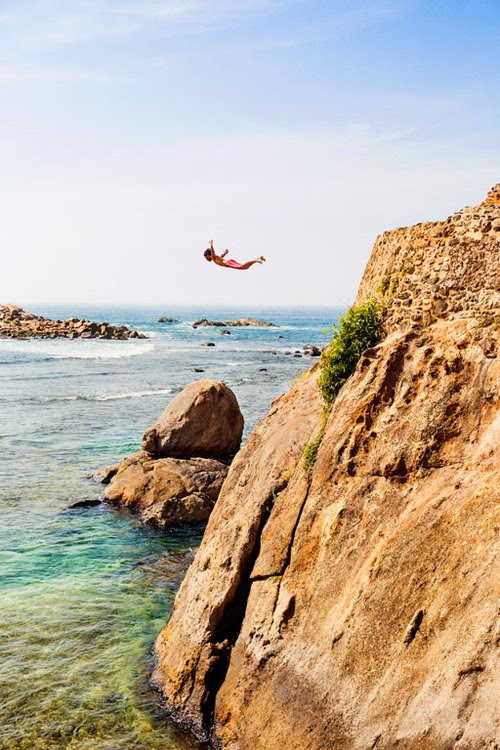 10 Best Adventure Holiday Destinations | Galle, Sri Lanka, Diving from stone ramparts 08
