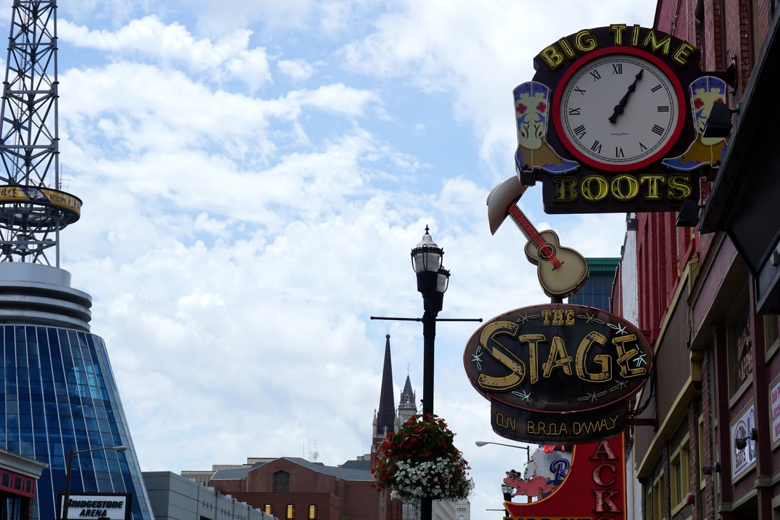 When In Nashville Where To Eat What To Do Where To Stay